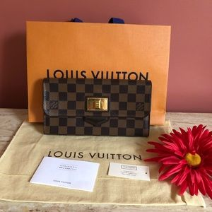 Sold🎉🎉🎉LV Long Wallet Portefeiulle Rosebery